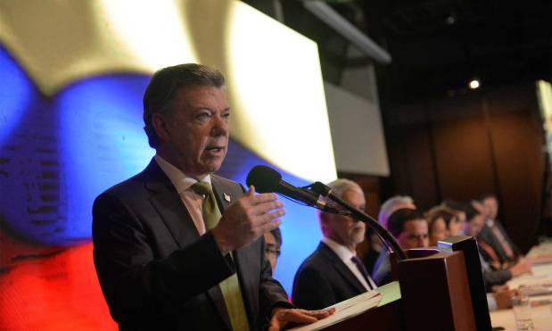 """""""Nada hay más nefasto para los derechos de los colombianos que la guerra"""",Santos"""